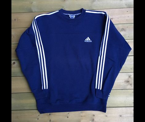 37f684a5 Vintage 90's Adidas • Tise